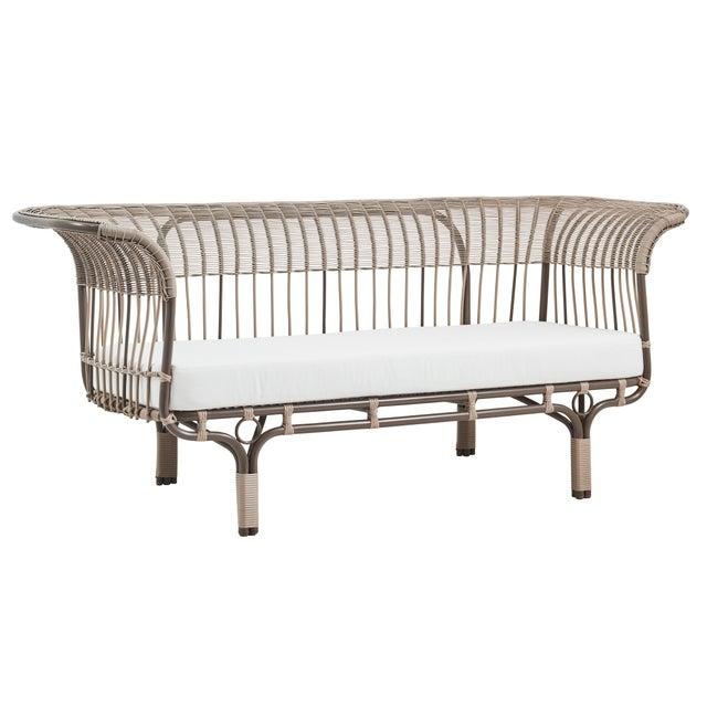 Franco Albini Franco Albini Belladonna Exterior Sofa - Moccachino - Tempotest White Canvas Cushion For Sale - Image 4 of 4