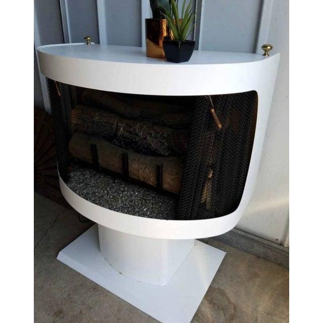 Mid-Century Modern Mastercraft Mid-Century White Metal Enamel Electric Fireplace For Sale - Image 3 of 11