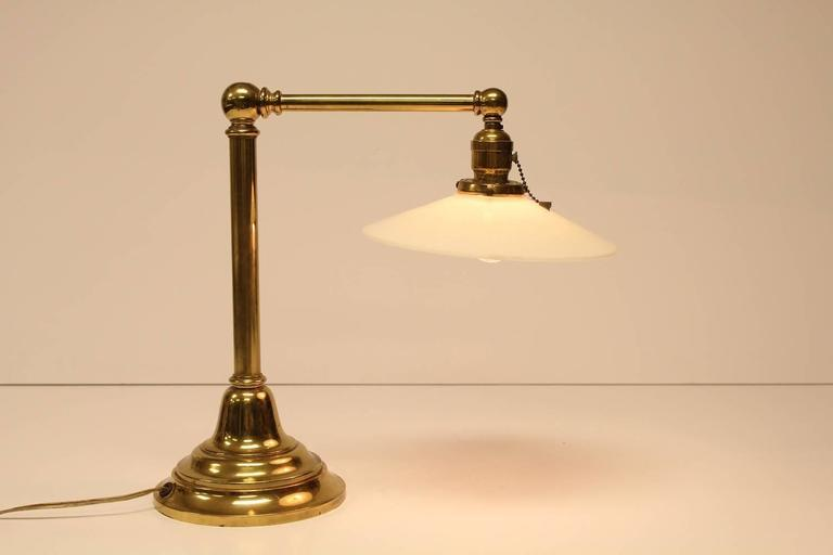 Luxury 1930 S Antique Library Brass And Milk Glass Table Lamp Decaso