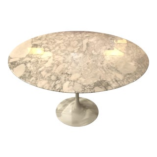 Round Knoll Saarinen Tulip Table