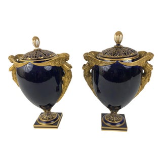 Mid 19th Century English Kerr & Binns Blue and Gilt Fine Bone China Pomander Urns - a Pair For Sale