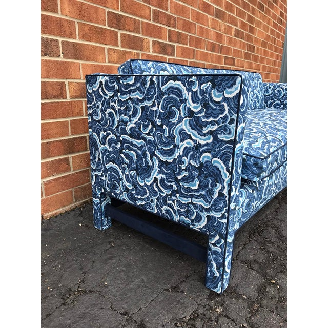 Mid-Century Modern 1950s Retro Modern Loveseat Covered in Kendall Wilkinson Fabric For Sale - Image 3 of 9