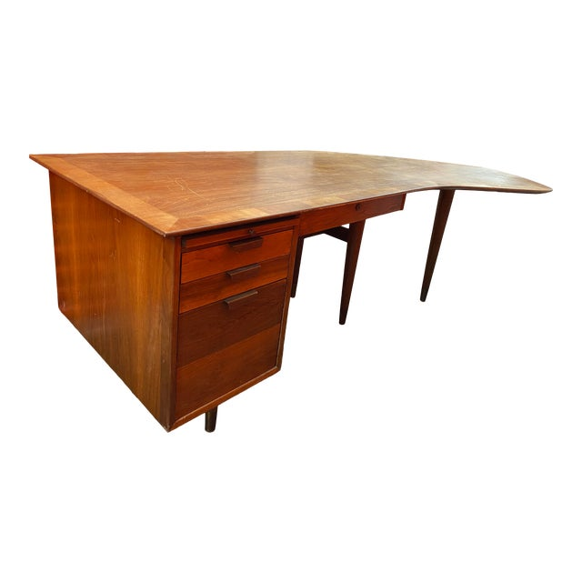 1960s Mid-Century Modern Executive Desk by the Standard Company For Sale