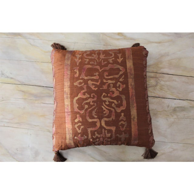 Isabelle H. Fortuny Style Burnished Russet Silk Tasselled Pillow For Sale In New York - Image 6 of 8