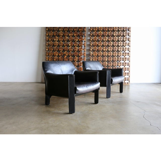 Cassina Mid-Century Modern Mario Bellini Black Leather Lounge Chairs - a Pair For Sale - Image 4 of 11