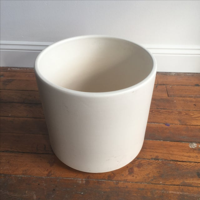 Matte White Ac-12 Gainey Ceramics Planter For Sale - Image 5 of 7