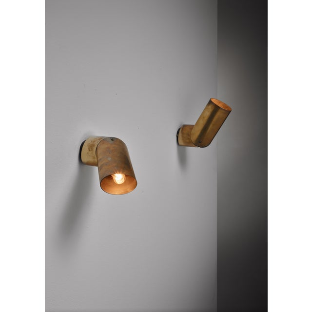 Arredoluce Pair of Arredoluce brass wall lamps, Italy, 1950s For Sale - Image 4 of 9