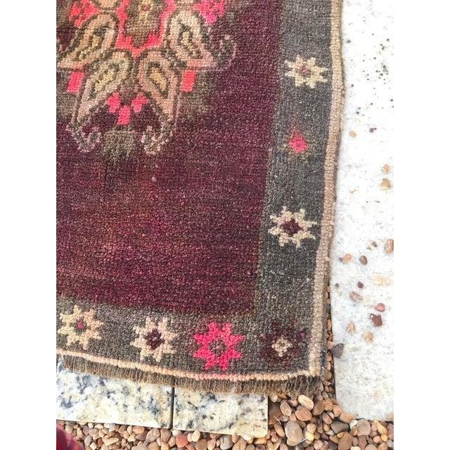 """Hand Made Vintage Turkish Yastik Rug- 1'6"""" X 2'7"""" For Sale - Image 9 of 11"""