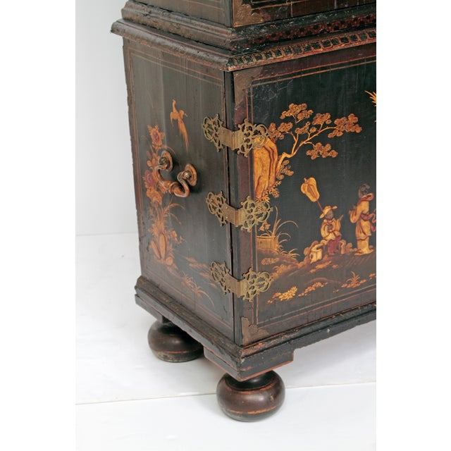 Queen Anne Collectors Cabinet / Japanned For Sale - Image 4 of 13