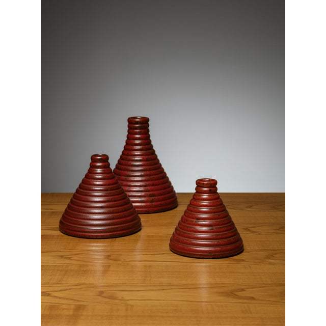 Set of three ceramic vases manufactured by Il Punto, Milano. Size refers to the tallest piece.
