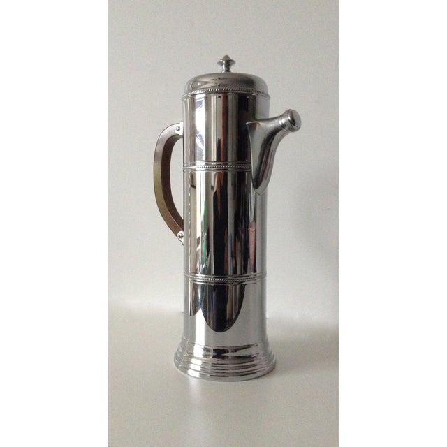 Hollywood Regency Mid-Century Cocktail, Martini Shaker With Bakelite Handle -Final Markdown For Sale - Image 3 of 10