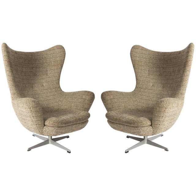 Textile Pair of Mid-Century Modern Armchairs For Sale - Image 7 of 7