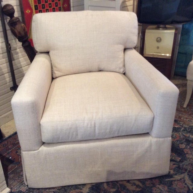 Very comfortable as always with Lee, this swivel club chair and has upgraded cushions making it fit like a glove. The seat...