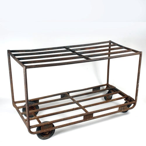 The seller says: This sturdy vintage industrial cart would work great outdoors or indoors! Solid frame and nice chunky...