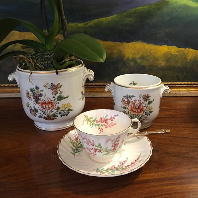 Hollywood Regency 1980s Hollywood Regency Richard Ginori Ischia Pattern Floral Cachepot For Sale - Image 3 of 11