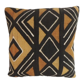 Vintage Graphic African Artisanal Textile Mud Cloth Decorative Pillow For Sale
