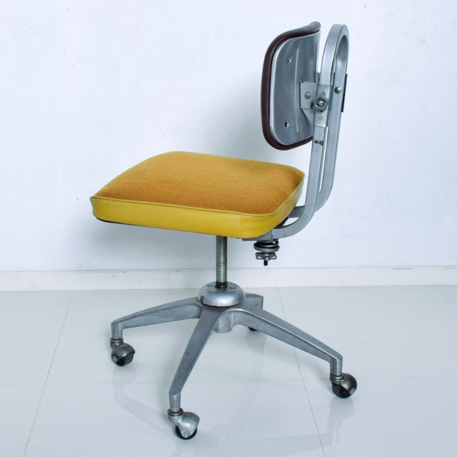 Mid-Century Modern Vintage Rolling Industrial Cosco Tanker Office Desk Chair For Sale - Image 3 of 10