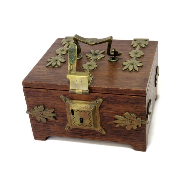 Early 20th Century Antique Arts & Crafts Oak and Bronze Box For Sale - Image 4 of 13