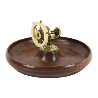 1950s English Traditional Bakelite Ship's Wheel 'Nutcracker' Vise on Birdseye Maple Bowl For Sale