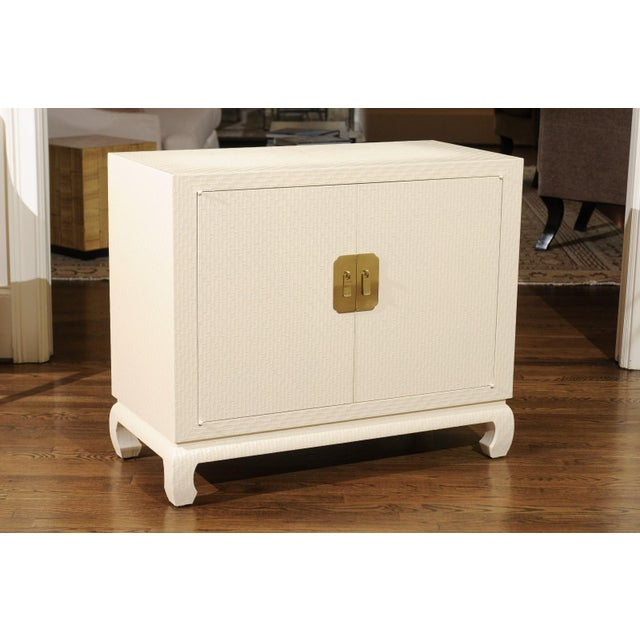 Fabulous Restored Pair of Cream Raffia Cabinets by Baker, circa 1975 For Sale In Atlanta - Image 6 of 11