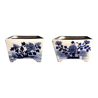 18th/Early 19th Century Chinese Blue and White Porcelain Planters - a Pair For Sale