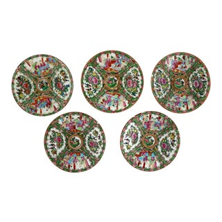 Antique Chinese Qing Rose Medallion Porcelain 7.25 Inch Plates Set of 5 For Sale
