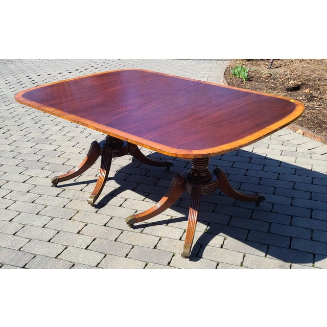 Antique 1930s Banded Mahogany Baker Furniture Double Pedestal Dining Room Table W/ 3 Leaves For Sale In New York - Image 6 of 10