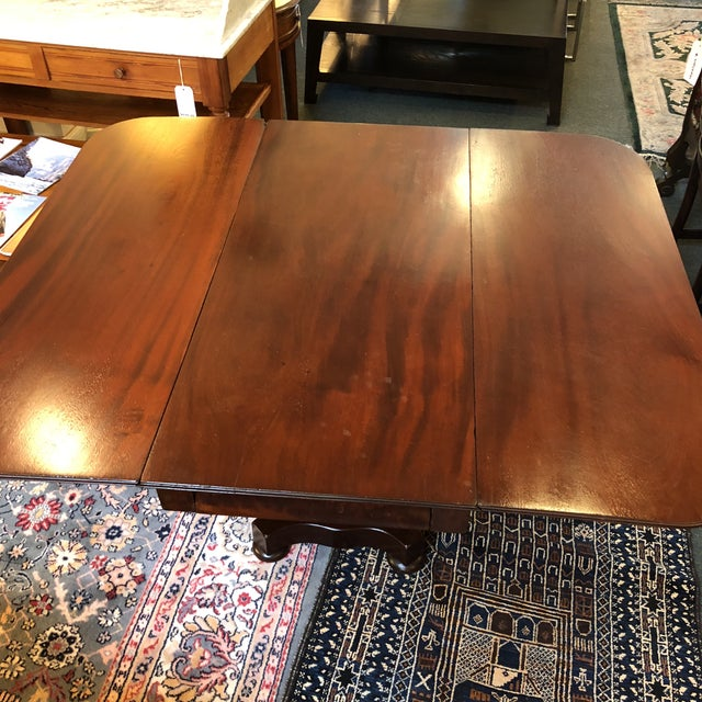 1900s 1900s British Colonial Mahogany Drop Leaf Table For Sale - Image 5 of 13