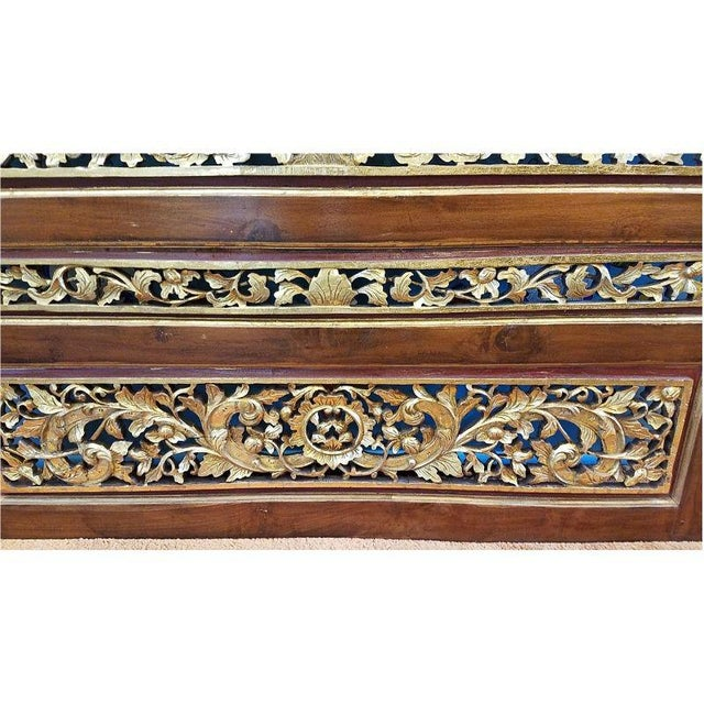 1920s Vintage Chinese Carved Giltwood Screen For Sale In Milwaukee - Image 6 of 7