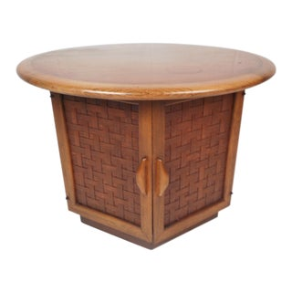 Mid-Century Modern Round End Table by Lane Furniture For Sale