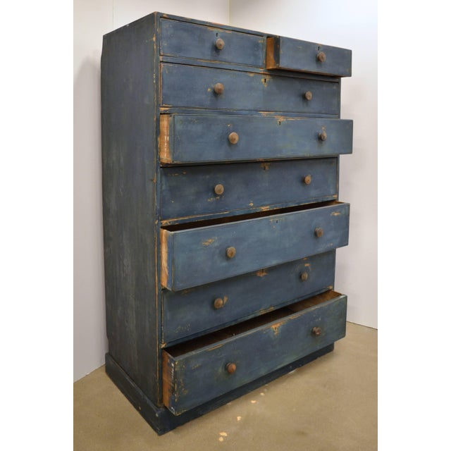 Traditional English Chest of Drawers, Early 19th Century For Sale - Image 3 of 11