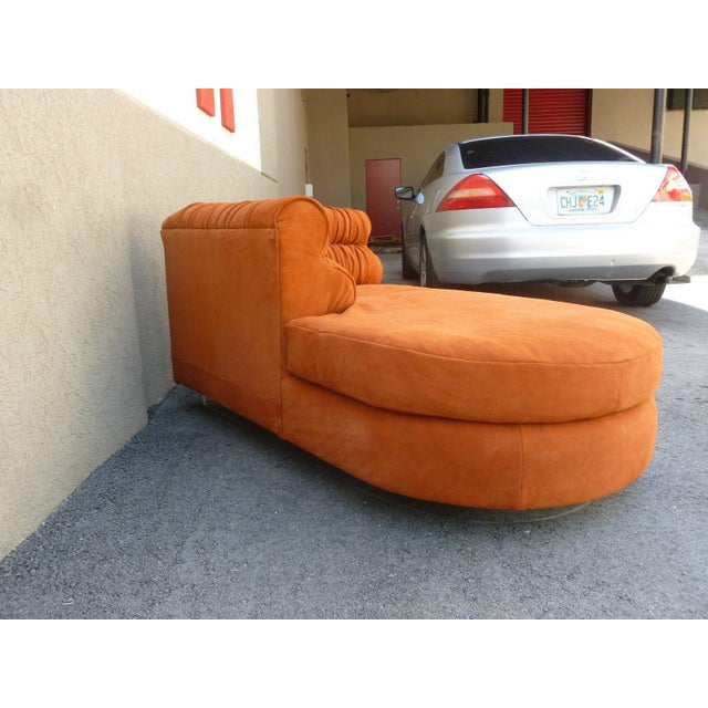 1970s 70's Mod Italian Suede and Lucite Chaise For Sale - Image 5 of 11