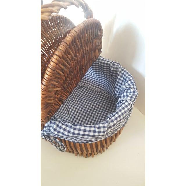 Large Blue and White Checked Picnic Basket For Sale - Image 5 of 7