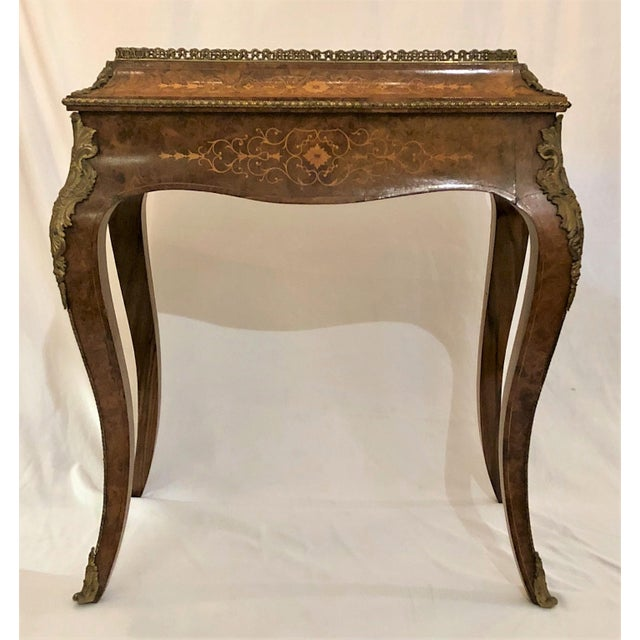 Late 19th Century Antique Louis XV Burled Walnut Jardiniere, Circa 1880. For Sale - Image 5 of 5