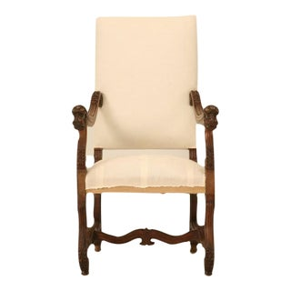 French Walnut Os de Mouton Throne Chair with Dog Armrests, circa 1880 For Sale