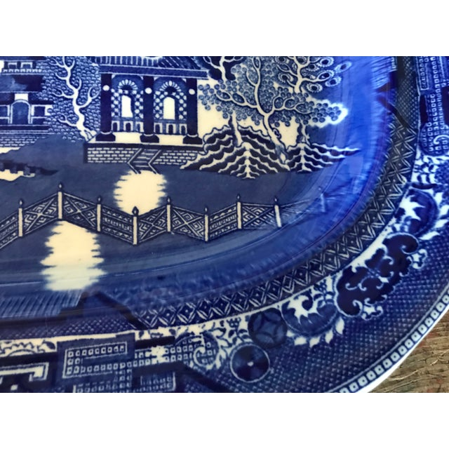 1930s English Flow Blue Willow Large Platter For Sale In Los Angeles - Image 6 of 12