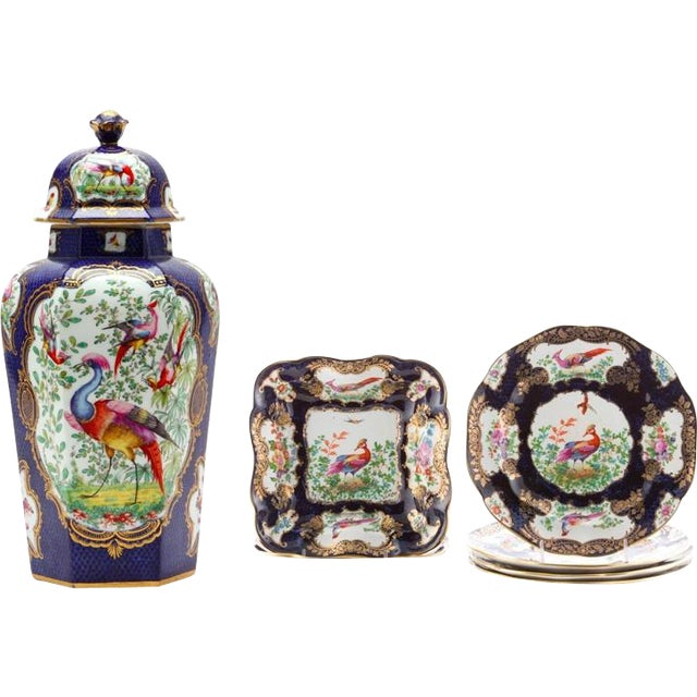 "7-Piece Garniture of English ""Chelsea Bird' Pattern Porcelain For Sale - Image 11 of 11"