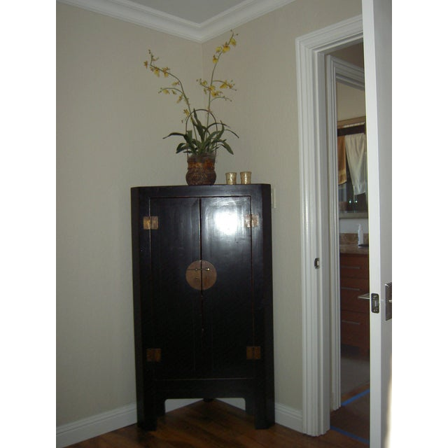 Black Lacquer Asian Corner Cabinet Side Table - Image 3 of 7