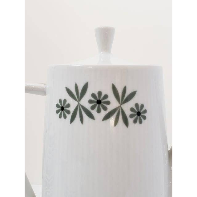 White Mid Century Modern Seltmann Weiden Monica Bavarian Porcelain Dinnerware For Sale - Image 8 of 13