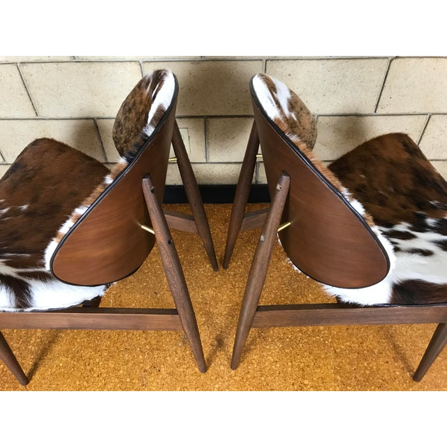 Brown Kodawood Mid-Century Modern Clam Shell Lounge Chairs- A Pair For Sale - Image 8 of 9