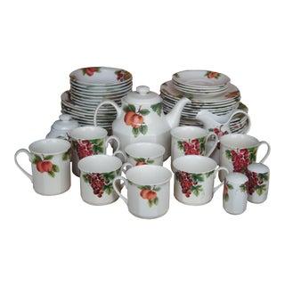 42 Pc Royal Doulton 1994 Everyday Vintage Grape Porcelain China Dinnerware Set For Sale