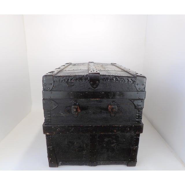 Rustic Late 19th Century Antique Crouch & Fitzgerald Coffee Table/Steamer Trunk For Sale - Image 3 of 11