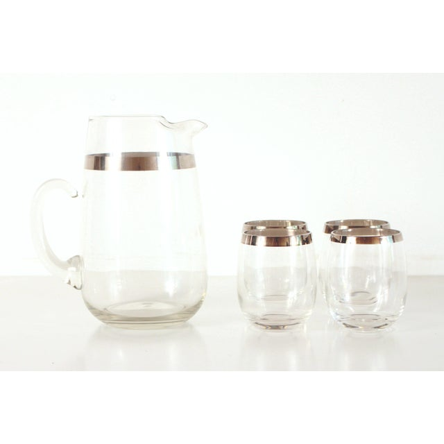 Mid 20th Century Mid Century Modern Dorothy Thorpe Silver Rimmed Glass Pitcher & Glasses - Set of 5 For Sale - Image 5 of 5