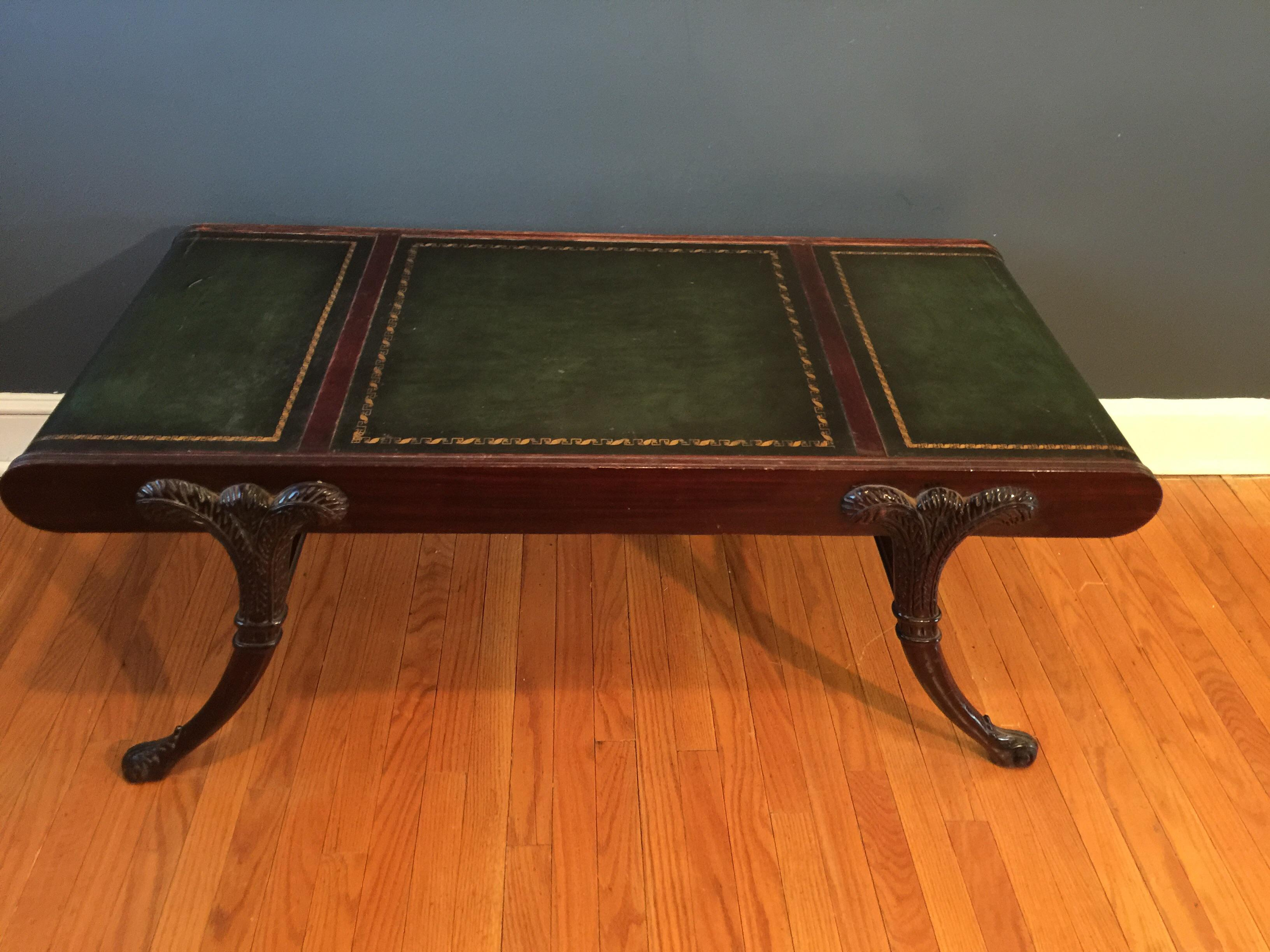Merveilleux Traditional Mahogany Leather Top Coffee Table For Sale   Image 3 Of 9