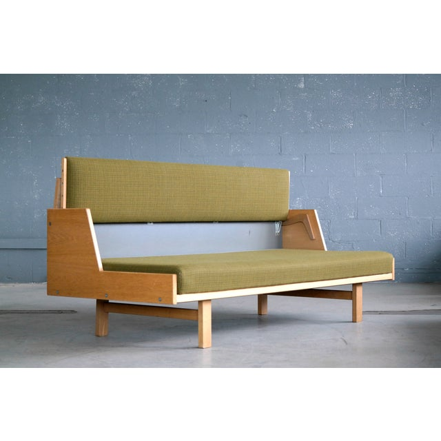 Hans Wegner Hans Wegner Daybed Model 258 for Getama Danish Mid-Century For Sale - Image 4 of 10