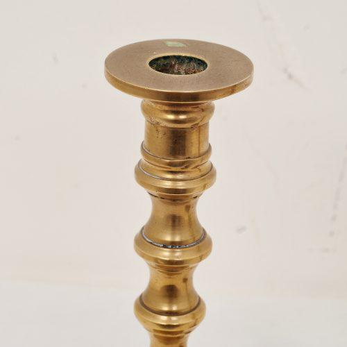 Heavy gauge brass with hollow center core – ideal if you want to make them into small lamps.