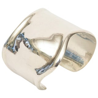 Los Ballesteros Hallmarked Sterling Silver Sensual Sculptural Bone Cuff Bracelet For Sale