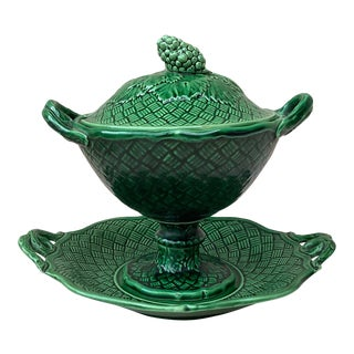 19th Century Majolica Green Tureen With Stand Bordeaux For Sale