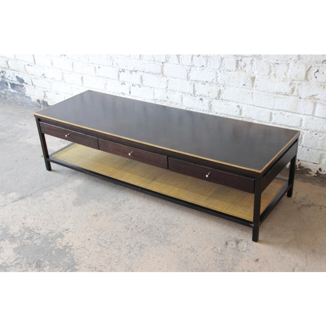 """Mid-Century Modern Paul McCobb for Calvin """"Irwin Collection"""" Double-Sided Leather Top Coffee Table For Sale - Image 3 of 13"""