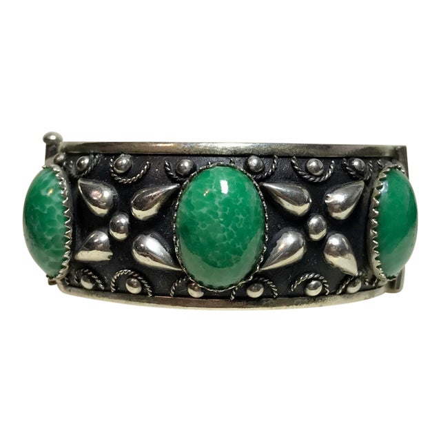 1940 Silver-Plated Green Cabochon Hinged Bangle For Sale